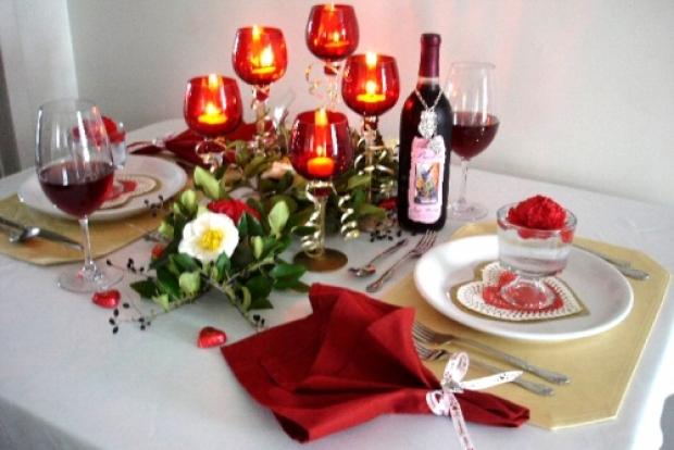 как украсить романтичный вечер на день влюбленных