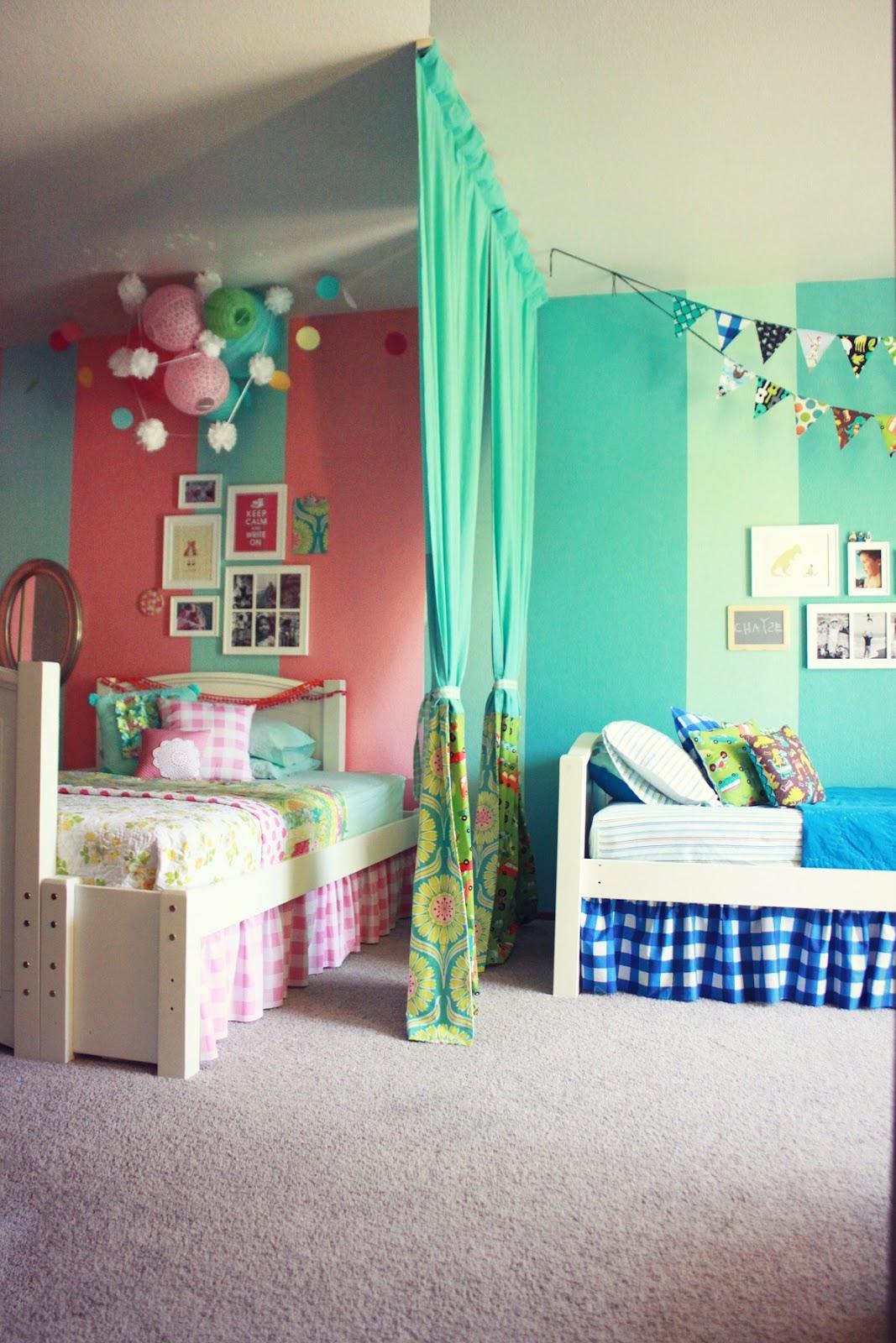 Как сделать одну комнату для разнополых детей фото