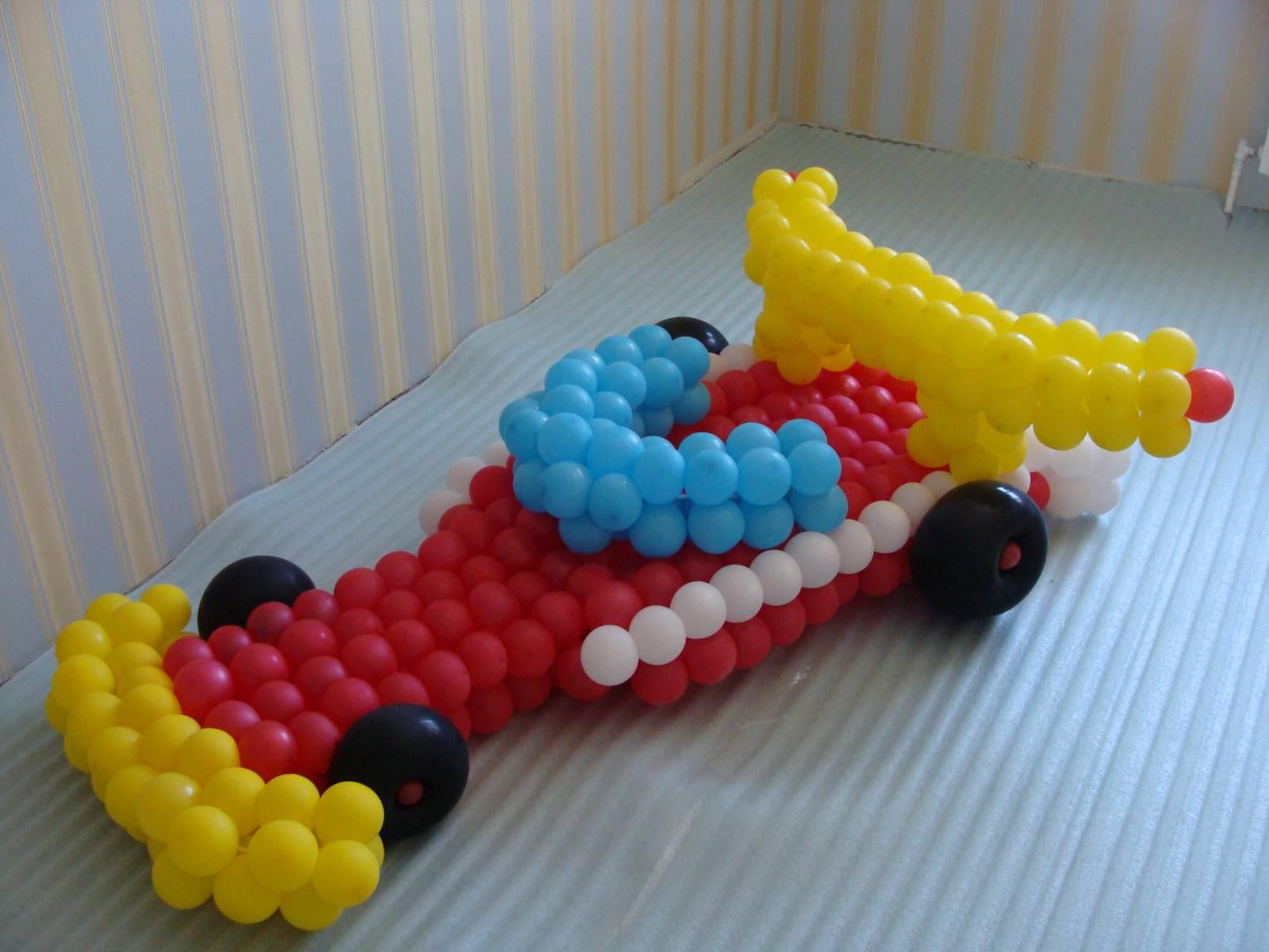 как украсить комнату шарами машинка
