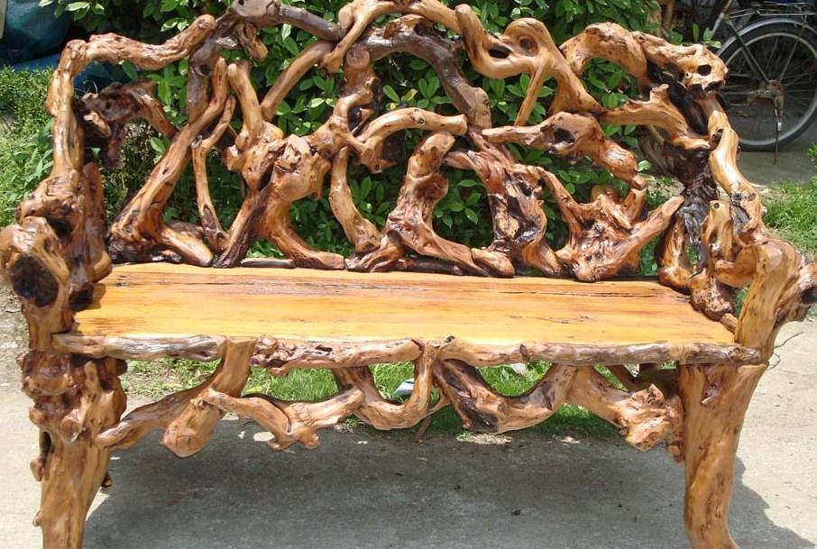 Поделки для дачи из стволов дерева 86