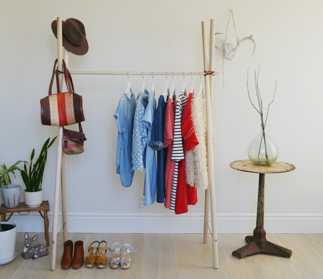 Сделать своими руками вешалку для одежды