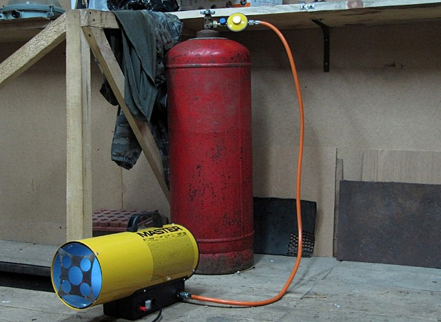 Как сделать отопление на газовых баллонах