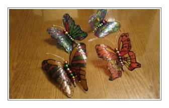 бабочки из бутылок для дачного участка