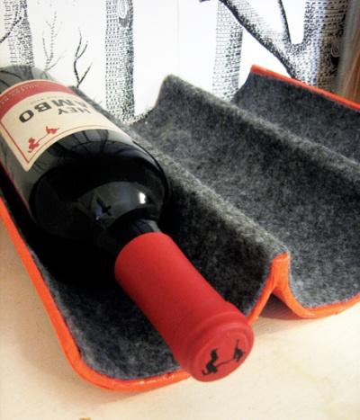 подставка под бутылки вина из картона