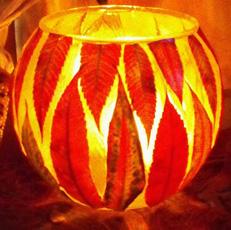 свеча из листьев