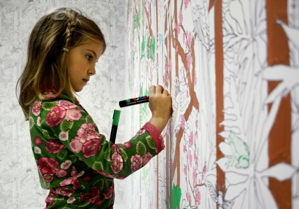 украшаем комнату девочки рисуем на стенах